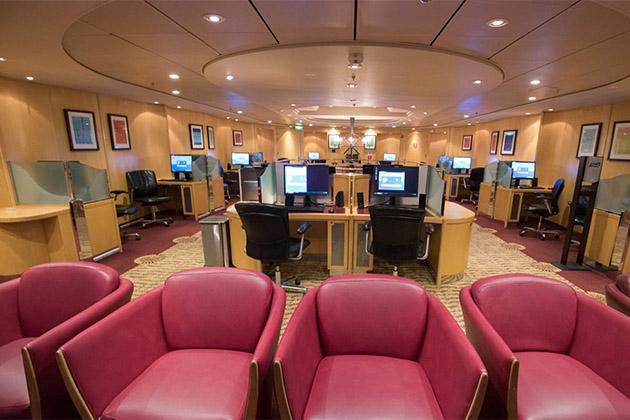 RCI Internet cafe lounge