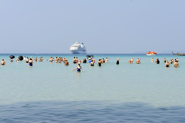 Seabourn passengers at Caviar in the Surf