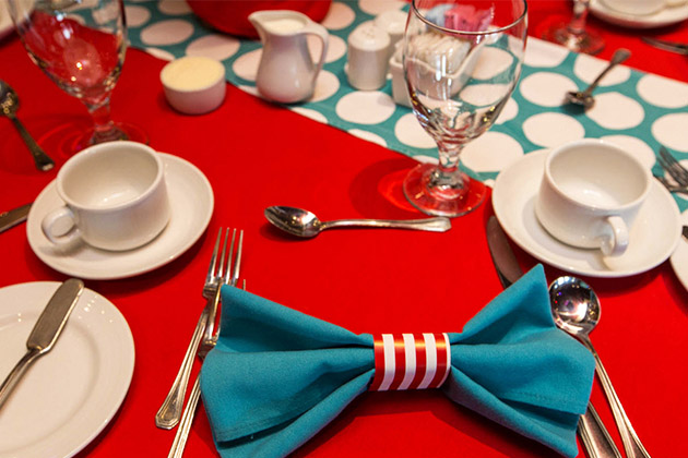 Green eggs and ham place settings