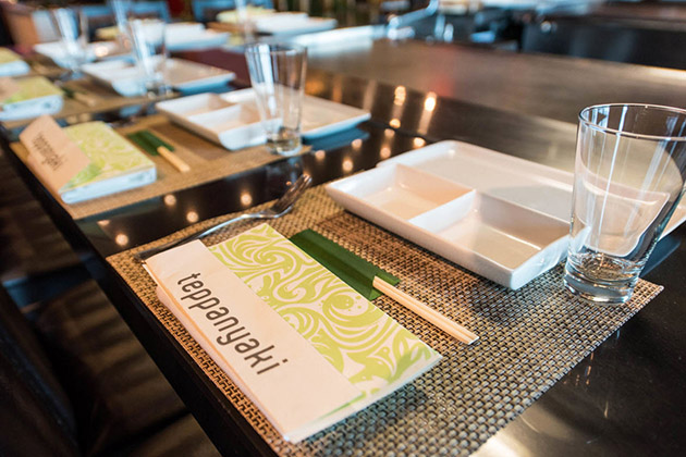 Teppanyaki menu and place setting