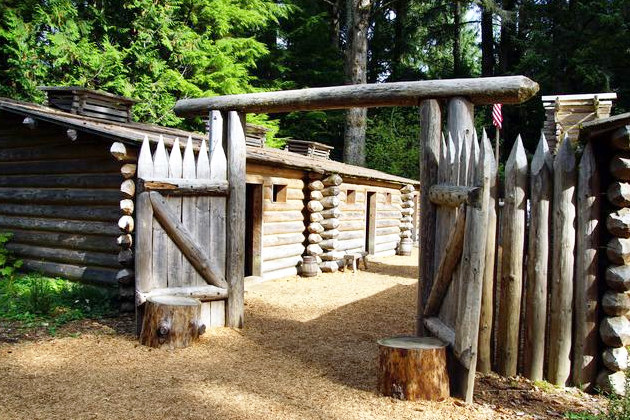 Lewis and Clark Historical Fort