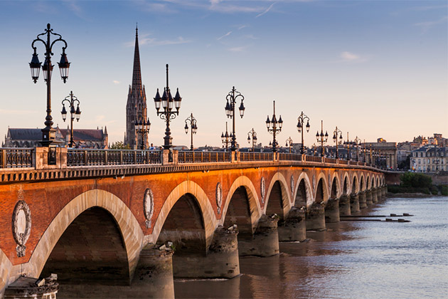 Bordeaux river and bridge