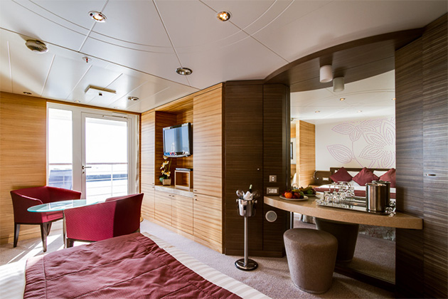 Junior Suite on Magellan