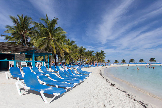 Beach scene in Coco Cay
