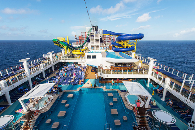 The Main Pool on Norwegian Escape