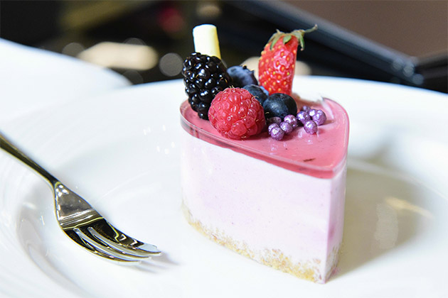 Berry dessert tartThomson Cruises vs  P O Cruises   Cruise Critic. P O Ventura Dining Times. Home Design Ideas