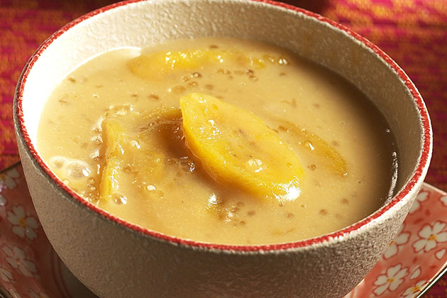 Norwegian's Ice-Chilled Banana Soup with Yogurt and Mango