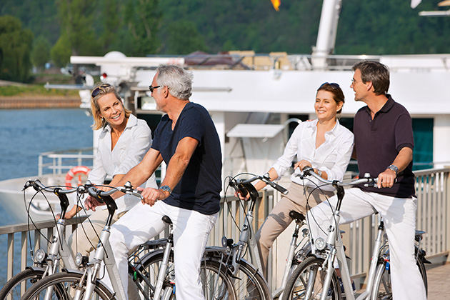 Bicycle excursion on a Rhine River cruise