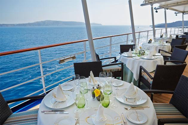 Al fresco dining on Regent's Seven Seas Mariner