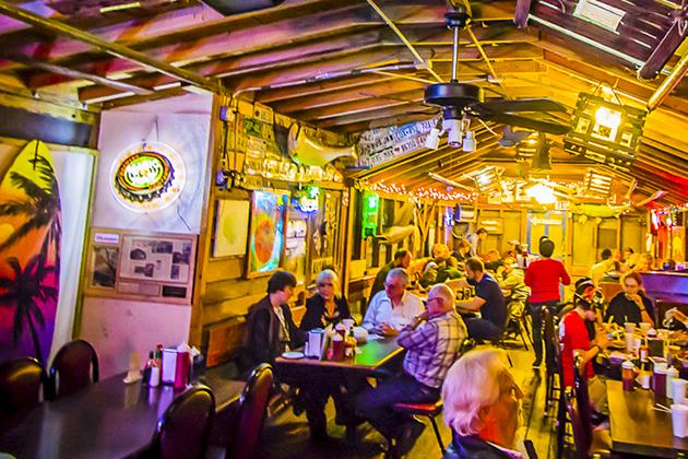 Skipper's Smokehouse Restaurant: Award Winning Restaurant and Oyster Bar