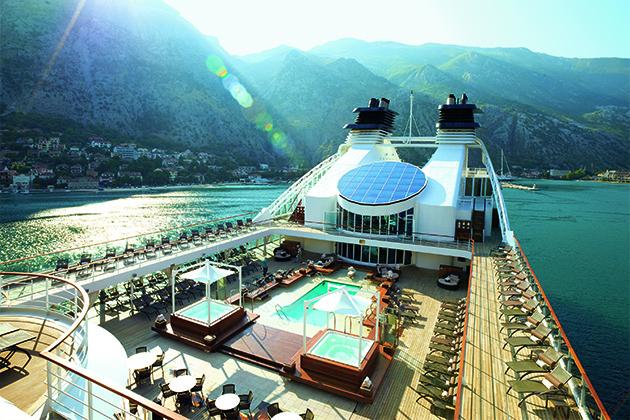 Pool deck aerial
