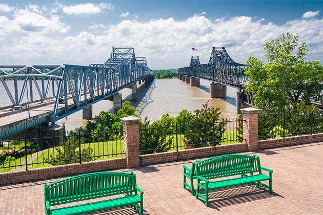Mississippi River bridge, at Vicksburg, MS. I-20 bridge and 'old bridge, train trestle'