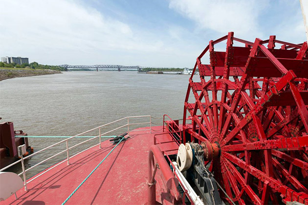 Shot of American Queen's red paddlewheel on the Mississippi River
