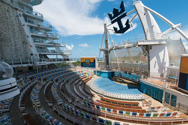 The Aqua Theater on Oasis of the Seas
