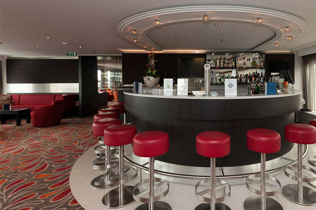 The Panorama Lounge on Avalon Expression