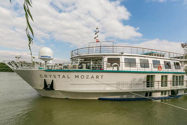Crystal Mozart ship exterior
