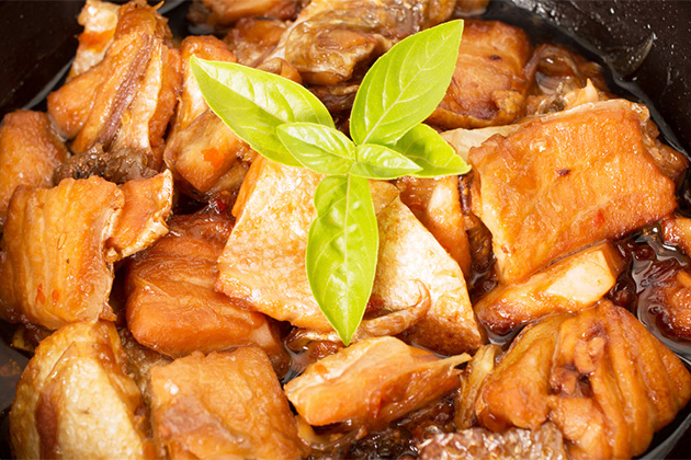Vietnamese caramelized fish in clay pot - Ca Kho To