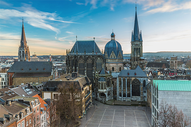 Aachen Cathedral at dawn in the winter