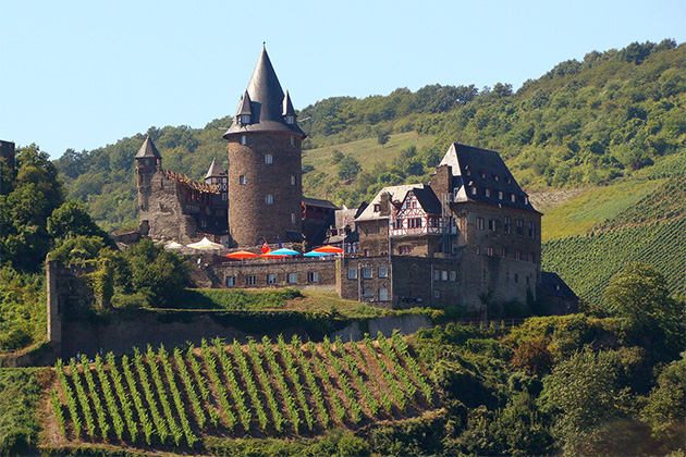 Exterior shot of the Stahleck Castle