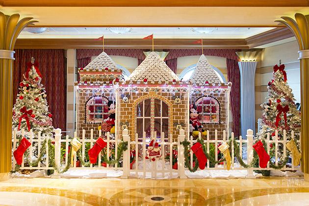 very merrytime decor in the atrium of disney dream - Disney Christmas Cruise