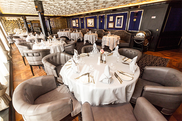 Set tables at Prime 7 on Seven Seas Explorer