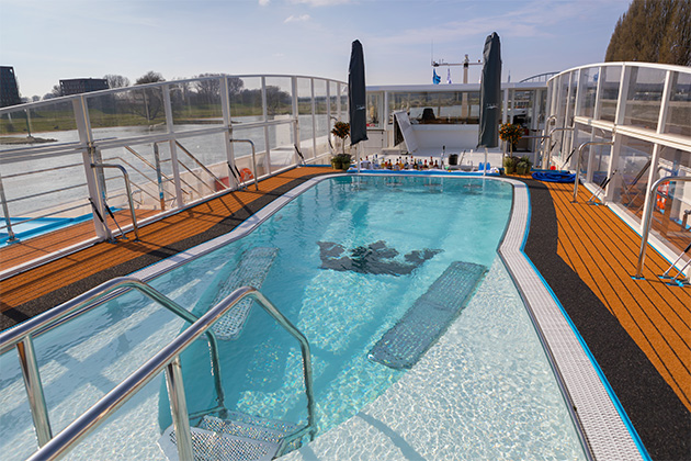 Pool deck on AmaLea