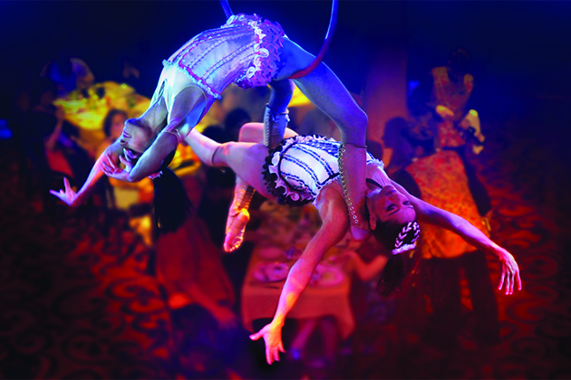 Two female aerialists at Cirque Dreams Epicurean