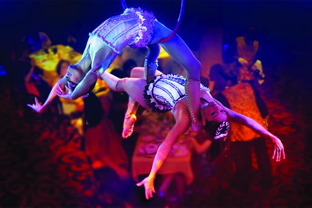 Two female aerialists at Cirque Dreams Epicurean