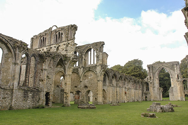 Netley Abbey Ruins in Southampton