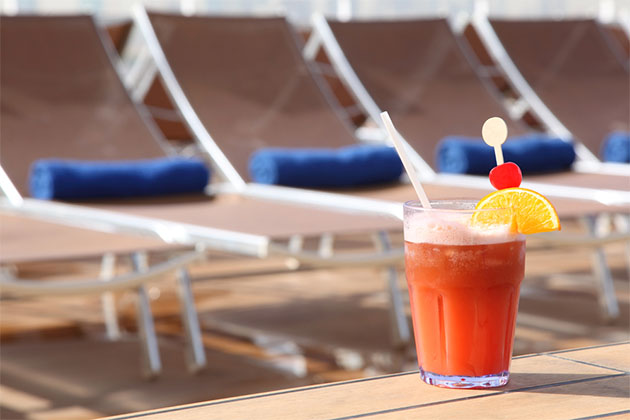 Fruity cruise cocktail