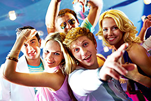 cruise-teen-dance-club