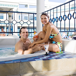 hot-tub-royal-caribbean