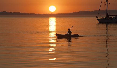 Kayaking in the Sea of Cortez near La Paz (photo:Stephen N Haynes/Shutterstock