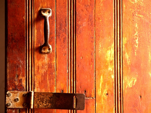 Old wooden door in Copala, Mexico (photo:Bruce Raynor/Shutterstock