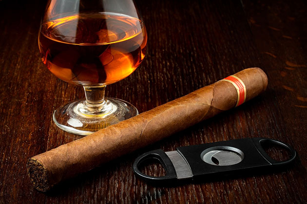 Cuban rum and cigar