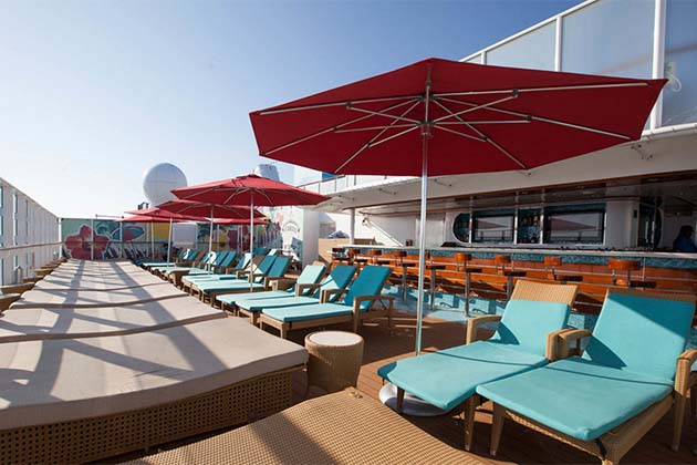 Vibe Beach Club on Norwegian Getaway