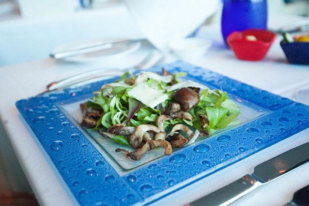 Salad form Celbrity's Blu