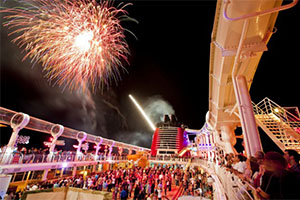what to expect on a cruise: nighttime cruise activities