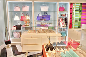 What To Expect On A Cruise Things To Know About Cruise Ships - Cruise ship shops