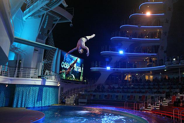 Allure of the Seas - Aqua Show