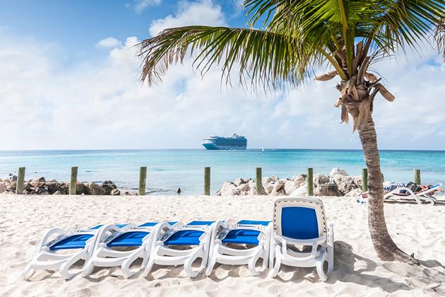 bermuda vs bahamas cruise critic. Black Bedroom Furniture Sets. Home Design Ideas