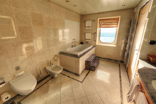 Cunard's Grand Duplex bathroom onboard Queen Mary 2.