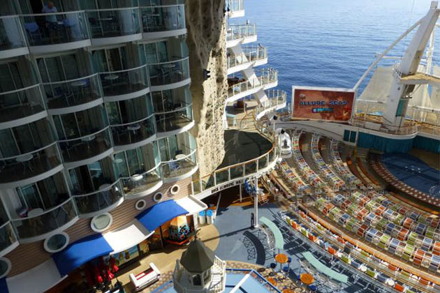 Royal caribbean cabins central park vs boardwalk for Cruise balcony vs suite