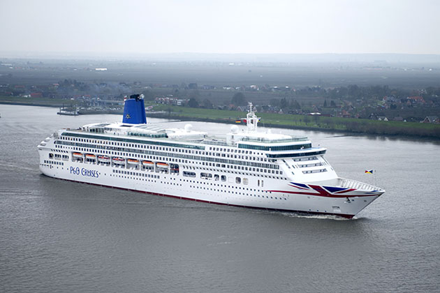 PO Cruises Vs Royal Caribbean UK Cruise Critic - Titanic vs cruise ships today