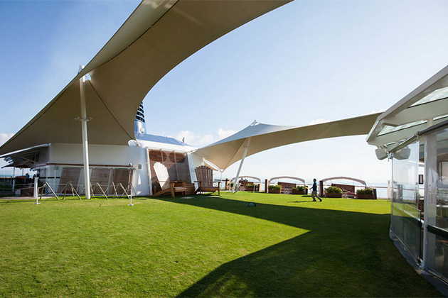 Celebrity Reflection - Lawn Club