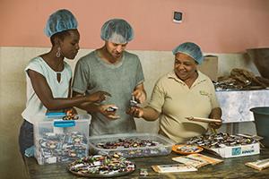 fathom volunteer activities in cacao plant