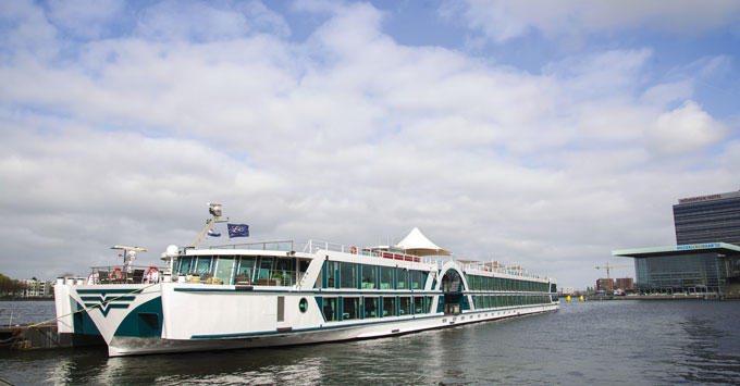 Fred. Olsen River Cruise river ship