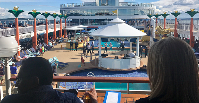 Pool deck on Norwegian Jewel
