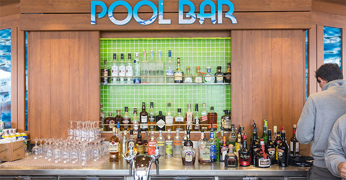 Pool Bar on Harmony of the Seas