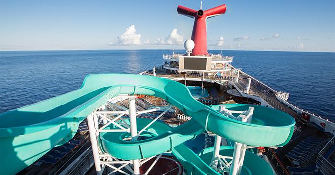 Carnival Triumph pool deck
